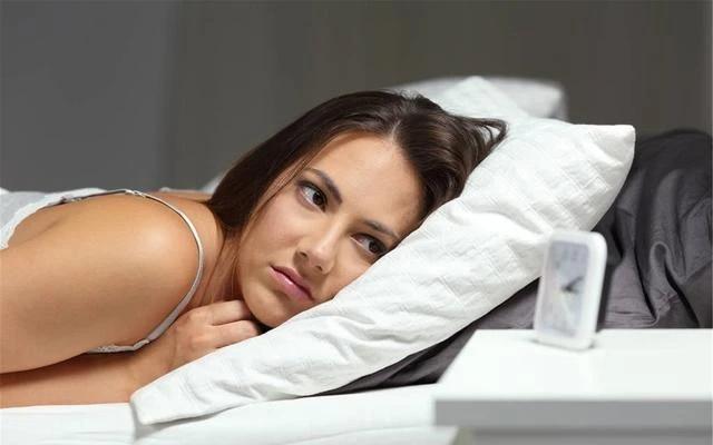 为何女性上了年纪更容易失眠?哪些方法可以改善失眠?