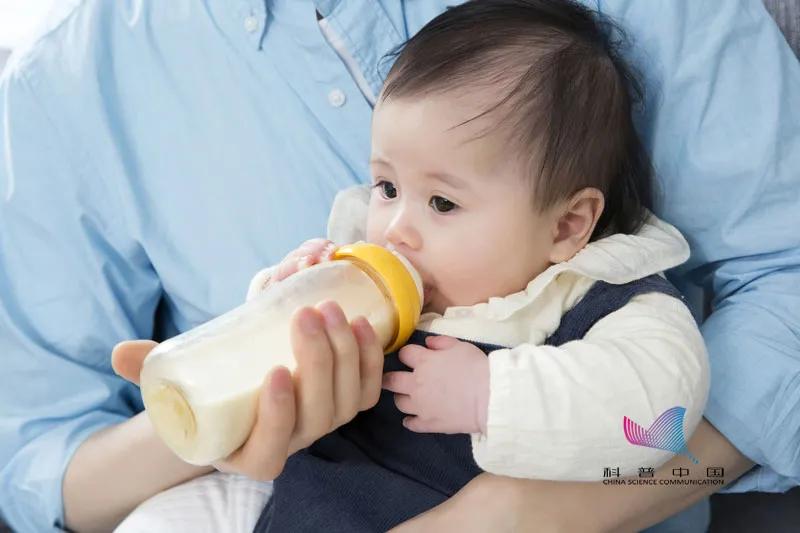 蔬菜水冲奶粉竟致新生儿中毒?这些冲奶的误区,很多人仍不知道